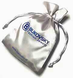 De armband wordt geleverd met een gratis Bukovsky bewaar/geschenkzakje.
