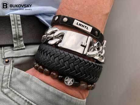 Leren Heren Armband Bukovsky SL8870 - Zwart - Gepolijst Staal - Vanaf € 37,50 - Gratis Verzending - Leverbaar in de lengtematen 19, 20, 21, 22 en 23 cm.